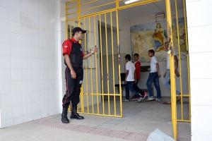 Agora, escola tem segurança Foto:  Eugenio Barreto\SEED