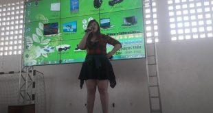 Pela primeira vez em Aracaju, a youtuber Satty levou  a galera geek ao delírio