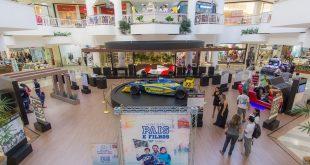 Exposição de automobilismo no Shopping Riomar