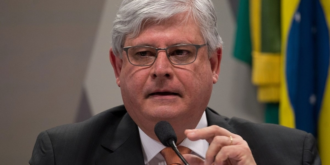 O procurador-geral da República, Rodrigo Janot, acusa o presidente Michel Temer dos crimes de organização criminosa e obstrução de Justiça