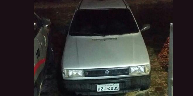 Carro roubado que foi recuperado pelo GATI neste final de semana Foto: GATI