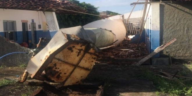 Duas crianças foram vítimas fatais do desabamento da caixa d'agua, em Dores