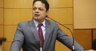 Deputado oferece R$ 5 mil  para quem der informações sobre crime do capitão