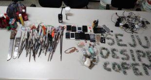 Operação no Copemcan encontra armas brancas e drogas