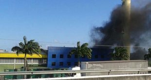 Corpo de Bombeiros debela incêndio na Maratá