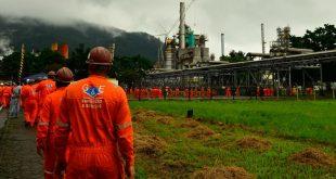 Petrobras anuncia redução de 2% no preço da gasolina