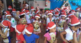 Voluntárias fazem festa de Natal na creche Lar de Zizi