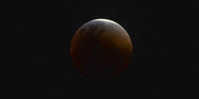 22952a427 Domingo tem Superlua e eclipse total em todo o Brasil - Só Sergipe