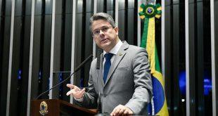Alessandro Vieira compõe três comissões no Senado