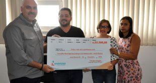 Energisa doa R$ 23,5 mil à Prefeitura de Areia Branca