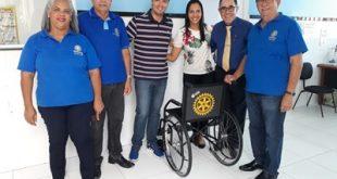 Rotary Aracaju Leste entrega mais cadeiras de rodas