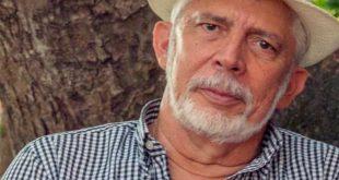 Marcelo Ribeiro lança seu  17º  livro no Villa Veron