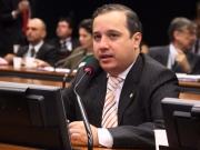 Valadares Filho mudou o voto e foi favorável a redução da maioridade penal
