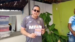 Escritor Nestor Mendes, autor do livro Nunca Mais!
