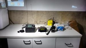 Um dos equipamentos usados pelos radioamadores
