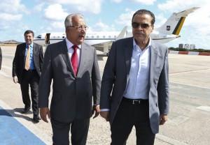 Governador recebeu ministro Henrique Alves no aeroporto