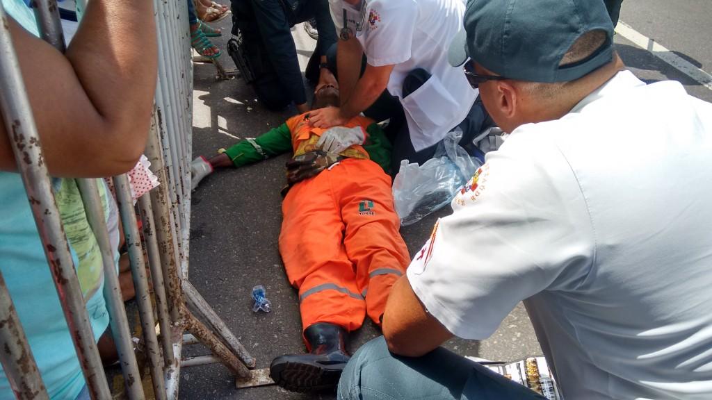 O gari Edmundo teve uma parada cardiorespiratória na avenida