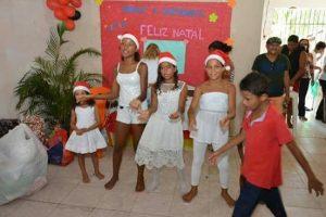 A danças das crianças, na Jabotiana