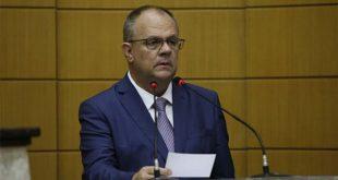 Secretários Sales Neto e João Eloy ficam no governo