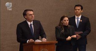 Em diplomação, Bolsonaro pede confiança daqueles que não votaram nele