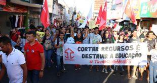 Centrais sindicais farão greve geral em junho em todo o País