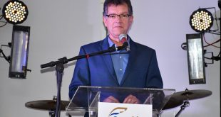 Laércio Oliveira é homenageado nos 30 anos do Seac