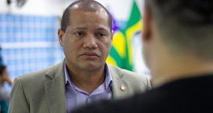 """Presidente da Adema diz que Petrobras """"é mentirosa"""";  estatal não disponibilizou boias"""