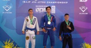 Atleta sergipano conquista medalha de prata em competição de jiu-jitsu