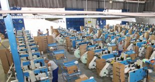 CNI: atividade industrial segue em recuperação com alta do emprego