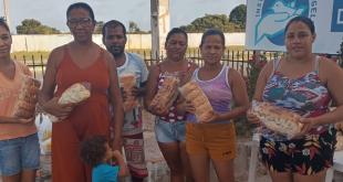 No Dia Mundial do Pão, Sindipan doa 20 mil pães na Barra dos Coqueiros; preço do saco de trigo preocupa